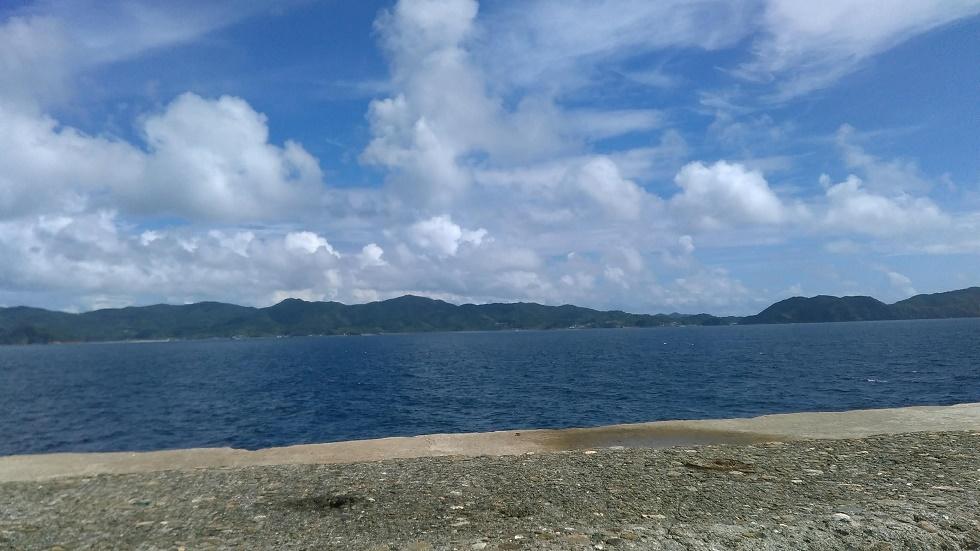 軍艦島の周りの景色